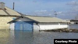 Затопленное село Садовое в Бухар-Жырауском районе Карагандинской области. 15 апреля 2015 года.