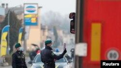 Влезането в и излизането от най-засегнатите градове в Северна Италия е ограничено