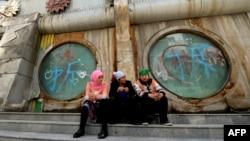 Синҗан-Уйгыр автономияле бүлгесе башкаласы Өремчедә өч мөслимә