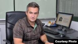 Сашо Клековски, прв извшрен директор на Македонскиот центар за меѓународна соработка