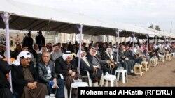 اجتماع لشيوخ عشائر (من الارشيف)