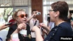 Լարված իրավիճակ երեւանյան ընտրատեղամասերից մեկում, 5-ը մայիսի, 2013