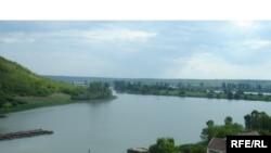 Moldova -- Dnister (Nistru) river, 2009