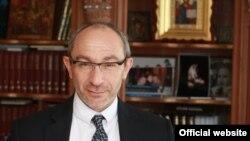 Мэр Харькова Геннадий Кернес обвиняется в похищении и пытках