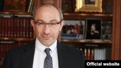 Խարկովի քաղաքապետ Գենադի Կերնես
