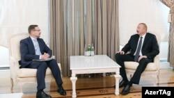 Президент Азербайджана Ильхам Алиев (справа) и генеральный секретарь ОБСЕ Томас Гремингер, Баку, 12 сентября 2018 г.