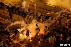 Попытка разогнать демонстрантов. 28 сентября