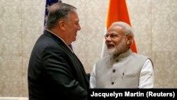 Gjatë takimit të sekretarit amerikan të Shtetit, Mike Pompeo me kryeministrin e Indisë, Narendra Modi