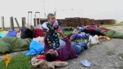 Tovarnik: Izbjeglice čekaju voz