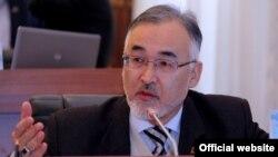 """Турсунбай Бакир уулу, ЖК депутаты, """"Ар-намыс"""" фракциясы."""