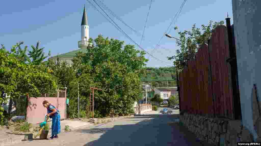 На Почтовом переулке. Всего в селе Изобильное 10 переулков и 13 улиц