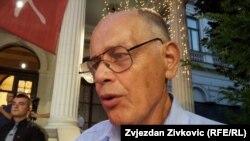 """Srđanov otac Rade Aleksić u čitulji je napisao: """"Umro je ispunjavajući svoju ljudsku dužnost""""."""