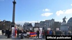 Մեծ Բրիտանիա - Սումգայիթի ջարդերի 25-րդ տարելիցին նվիրված միջոցառումը Լոնդոնի Թրաֆալգար հրապարակում, 3-ը մարտի, 2013թ.