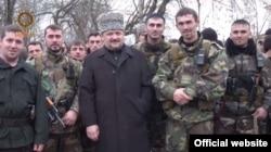 Ахмат Кадиров з бійцями, які перейшли на бік Росії у війні з Ічкерією