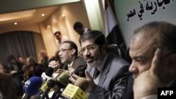 نشست خبری نمایندگان گروه اخوانالمسلمین به دنبال آغاز ناآرامیها در مصر
