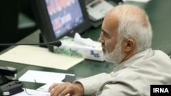 احمد توکلی، نماینده تهران در مجلس، سخنان محمود احمدینژاد را «فرافکنی» خواند