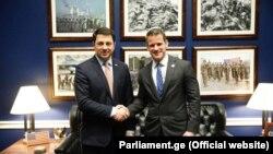 Спикер парламента Грузии Арчил Талаквадзе и конгрессмен-республиканец Адам Кинзингер