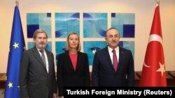 Johannes Hahn, Federica Mogherini i Mevlut Cavusoglu, Ankara