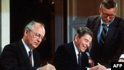 ish-presidenti i Bashkimit Sovjetik, Mikhael Gorbatchev dhe ish-presidenti i SHBA-ve, Ronald Reagan