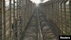Фактичний індійсько-пакитанський кордон у Кашмірі, архівне фото