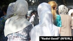 Tajikistan -- Tajik girl with hijab, 20Sep2012