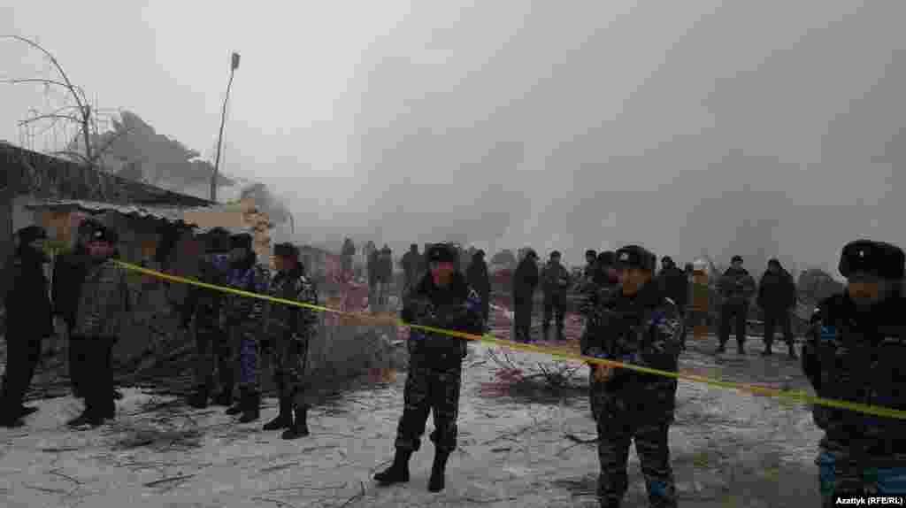 После трагедии аэропорт Манас временно закрыт.