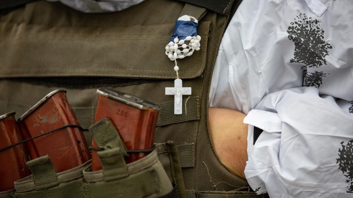 ООС: двое военных погибли, девять получили ранения и травм на Донбассе