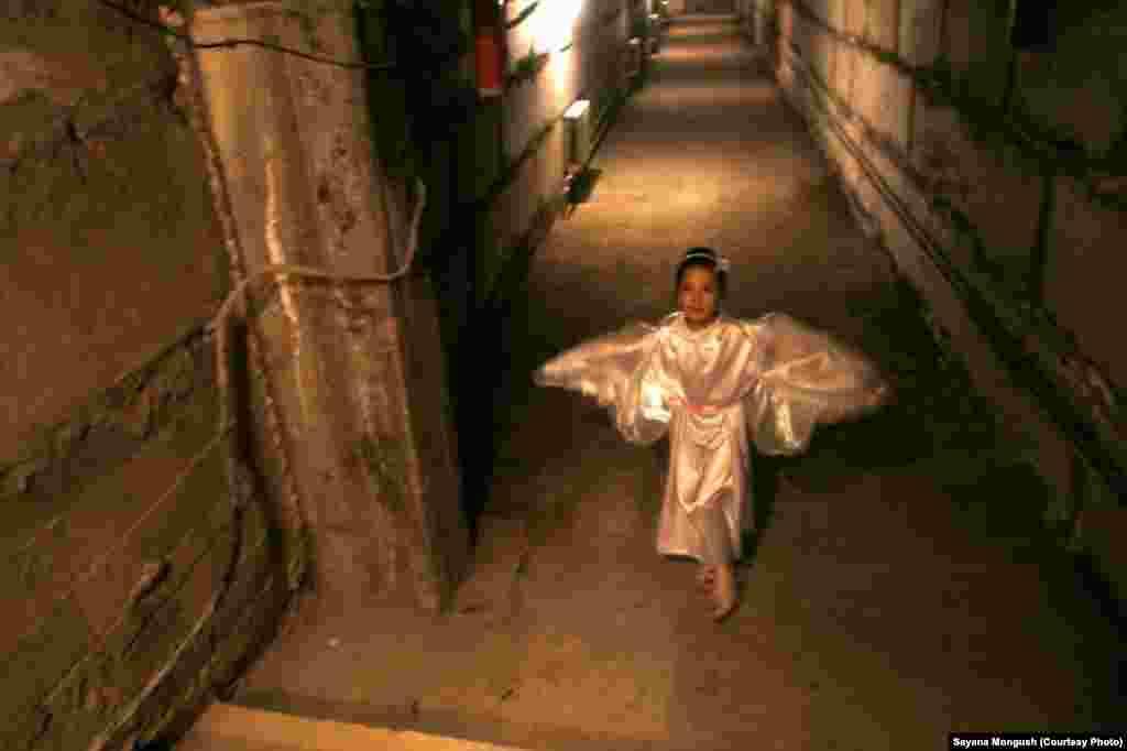Воспитанники воскресной школы при Свято-Троицком храме провели рождественский утренник с участием ангелов, зайчиков и музыкантов