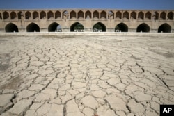 کمبود آب موجب قطع شریان زایندهرود در بخش اعظمی از روزهای سال بود