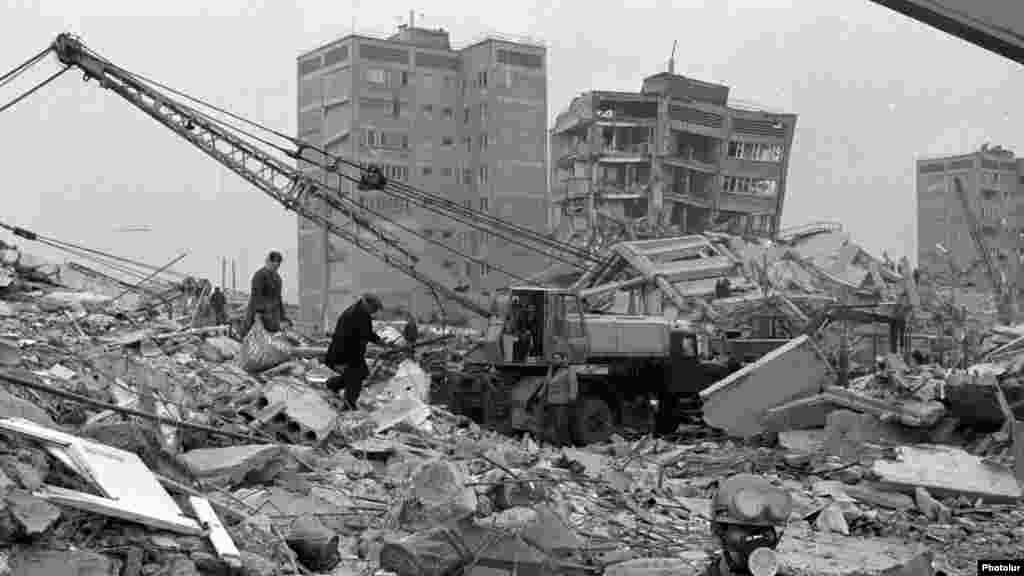December 1988: Armenian earthquake. In less than 20 seconds, entire apartment blocks collapse into rubble. Reinforcing rods that should have been used in the construction of some buildings had been stolen and sold on the black market. Western aid is accepted, but much of the rescue and medical equipment gets snared in red tape and never arrives. More than 30,000 people die.