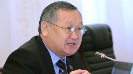Депутат Каныбек Осмоналиев.