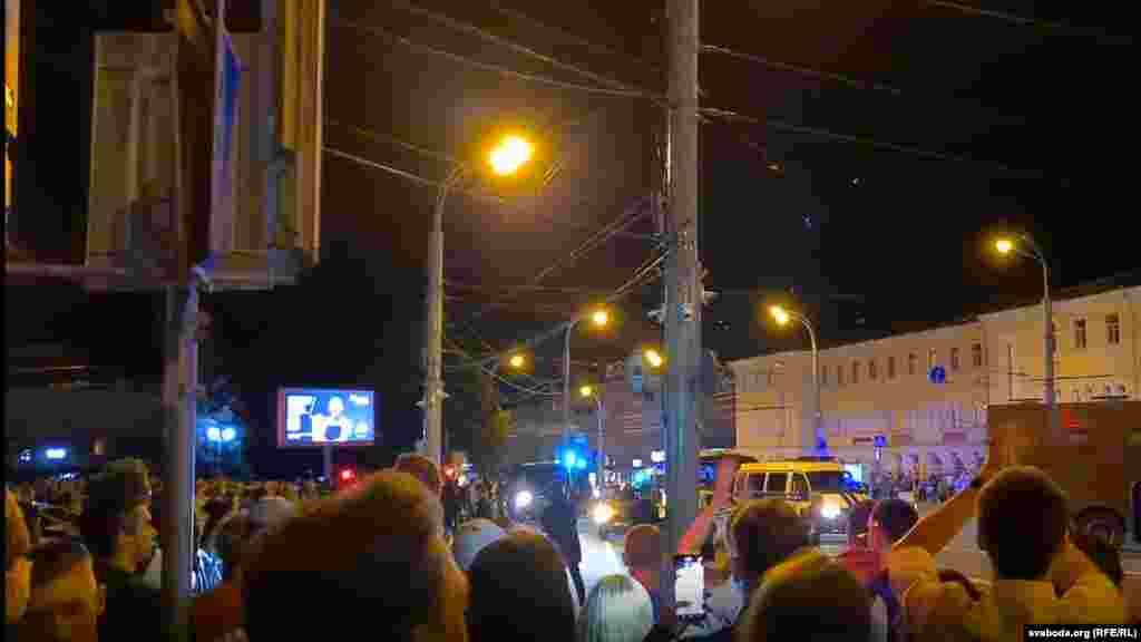 В Гомеле на улицы также вышли сотни людей, о раненых ничего не сообщается