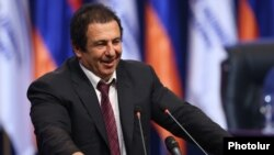 Armenia - Businessman Gagik Tsarukian addresses a congress of his Prosperous Armenia Party in Yerevan, 10Feb2017.