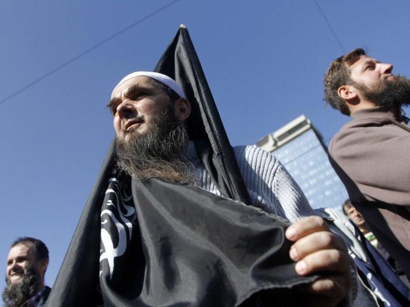 Први пут јавити ситуација у којој ће један човек бити духовни вођа исламистичких терориста на Балкану