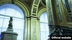 La Muzeul de Arte Aplicate și Design, Londra (© Victoria & Albert Museum)