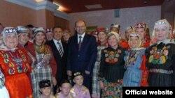 """Миңнеханов һәм Мишарин """"Сәрдәрия""""ләр белән"""