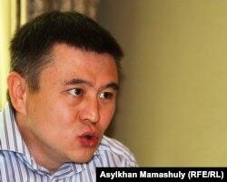Гражданский активист Мухтар Тайжан. Алматы, 13 июня 2012 года.