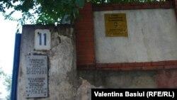 Pietre tombale în așteptarea restaurării la Cimitirul Catolic din Chișinău