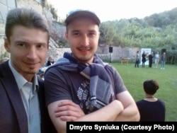 Дмитро Синюка (ліворуч)