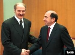 Александр Лукашенко и Борис Березовский, 1998 год