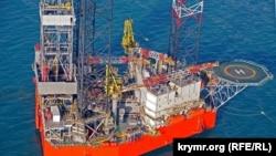 Самопідйомна бурова установка «Петро Годованець», що належить ДАТ «Чорноморнафтогаз», на шельфі Чорного моря