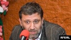 Сергей Пархоменко: «У них [у издательства АСТ] нет никаких других резонов хотеть с нами сотрудничать, как хотеть издавать ту литературу, которую мы издаем»