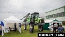 Трактар на выставе БелАгра 2017. Ілюстрацыйнае фота.