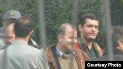 آقای اسانلو در تير ماه سال جاری بازداشت شد و به زندان اوين انتقال يافت.