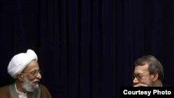 علی لاریجانی، رئیس مجلس و از چهرههای برجسته اصولگرایان درکنار آیتالله مصباح یزدی، چهره برجسته جبهه پایداری