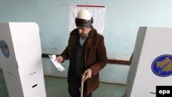 Gjatë votimit më 12 dhjetor 2010
