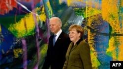 Kancelarja gjermane, Angela Merkel, dhe nënpresidenti i SHBA-së, Joe Biden, në margjina të konferencës...