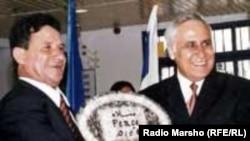 Израил-- Абу-ГIошан юьртда Жабир Салим а (аьр.), зударий хьийзорна карарчу хенахь набахтехь кхобуш а, 2000-2007-чу шерашкахь Израилан президент лаьттина а волу Моше Кацав а, Абу-ГIош, 2006