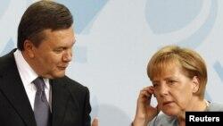 Віктор Янукович і Анґела Меркель під час зустрічі в Берліні, 30 серпня 2010 року