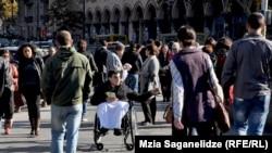 Адаптация социальных, медицинских и образовательных государственных программ в соответствии с требованиями лиц с ограниченными возможностями – это то, чего многие годы добиваются сами инвалиды и правозащитники
